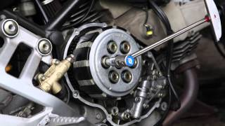 getlinkyoutube.com-2001 Ducati Monster 600 Dark Wet Clutch Install Video