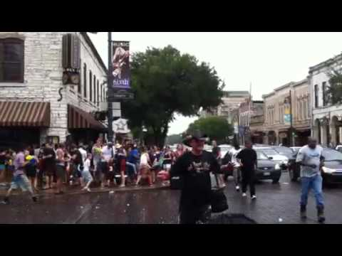 6th Street 'Splash Mob'