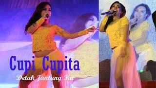 getlinkyoutube.com-Kostum Cupi Cupita Melorot Saat Perform Diatas Panggung