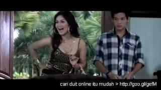 Arisan Brondong (Bella saphira  hot tante Indonesia)