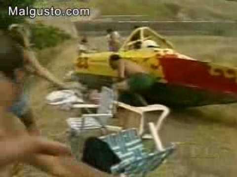 видео как вылетают из лодки