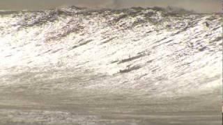 getlinkyoutube.com-The biggest wave ever caught? Shane Dorian and Mark Healey Paddle into  MONSTER at Waimea