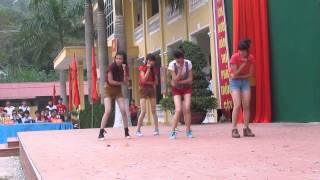 getlinkyoutube.com-Lovey Dovey - 10A4 THPT Tam Đảo 2