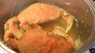 getlinkyoutube.com-Vietnam street food - Alive crab cooking for 4 people dinner meal - Street food in Vietnam 2016