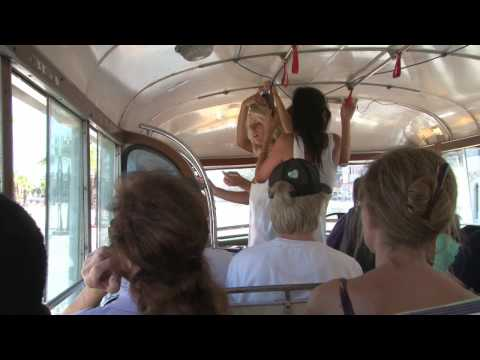 Malta - Busride from Sliema to Valletta with the oldest Maltese Bus (from 1938)