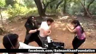 getlinkyoutube.com-Salman Khan - Ready - Making of Action | HQ