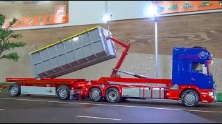 getlinkyoutube.com-FANTASTIC RC truck in 1:32 scale! Amazing container Scania + trailer!