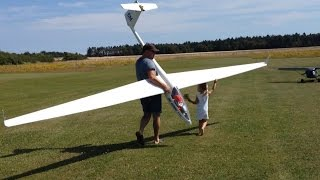 Flying a Giant RC glider