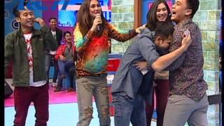 "getlinkyoutube.com-Dahsyat 22 Nov 13 -  ""Billy & Syahnaz"" ""Raffi Ahmad & Gigi (Nagita Slavina)"""