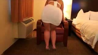 getlinkyoutube.com-Sexy White dress!! sexy heels to!   virgoperidot video