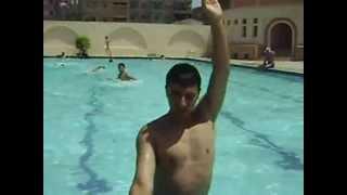 تعليم مهارتين الرجل والذراع فى سباحه الزحف على الظهر (الباك)  مع الكابتن اسلام الحداد