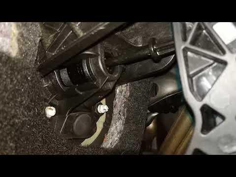 Shkoda Superb цъка педала на съединителя - клип 2