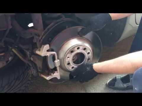 Замена задних тормозных дисков Audi A6C6 без снятия скобы