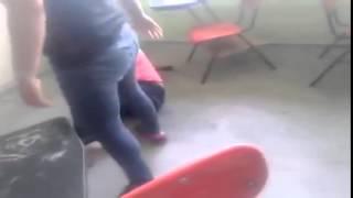 getlinkyoutube.com-Mujer golpea a presunta maestra por meterse con su marido
