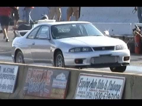 Almost 9 second RHD JDM 1995 R33 Nissan Skyline drag race, 10.001 @ 138mph IFO NED