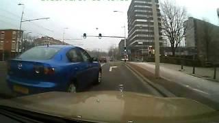 getlinkyoutube.com-auto aso Moslima snijdt voor ziekenhuis westeinde Den Haag  ik moet vol in de remmen 56SXHT