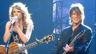 Taylor Swift MSG 11/21/11 with Johnny Rzeznik IRIS