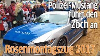 Rosenmontagszug 2017: Als Polizeiauto verkleideter Ford-Mustang fährt mit