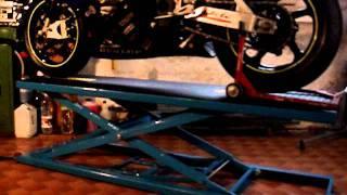 getlinkyoutube.com-Sollevatore moto idraulico terminato