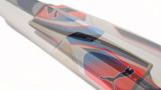close up look at the puma pulse 1500 english willow cricket bat