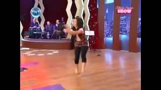 getlinkyoutube.com-رقص وحده مصريه على شيله غن يا حاكم