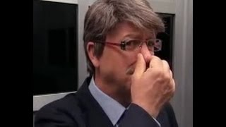 getlinkyoutube.com-کلیپ بشدت خنده دار گوزیدن در آسانسور و به گردن دیگران انداختن