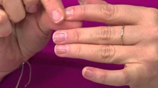 getlinkyoutube.com-Emjoi Micro-Nail Buff & Shine Manicure Kit with Sandra Bennett