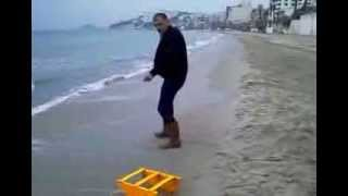getlinkyoutube.com-LEVREK SÜPÜRGESİ. Ladies beach KUSAdAsİ