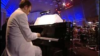 getlinkyoutube.com-Eine kleine nachtmusik - Mozart as salsa