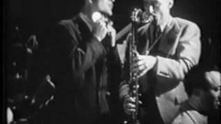 "getlinkyoutube.com-Incredible Sonovox - Kay Kyser - 1940 film ""You'll Find Out"""