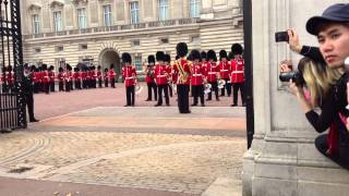 getlinkyoutube.com-Palacio de Buckingham, cambio de guardia