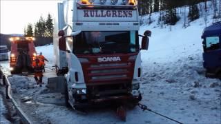 getlinkyoutube.com-Truck accident. Norway, Road 3, Koppang