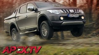 getlinkyoutube.com-Test Mitsubishi L200 / Triton: Top Pickup Truck? Offroad / On Road - MAJO BÓNA / APEX.TV [ENG SUB]