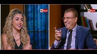 getlinkyoutube.com-بوضوح - عمرو الليثى يمازح النجمة سارة سلامة بسبب # الهوت شورت فى بداية اللقاء
