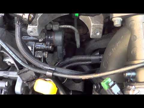Замена регулятора давления топлива 2.2HDI
