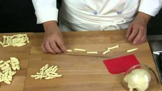 getlinkyoutube.com-Pasta fresca di semola di grano duro