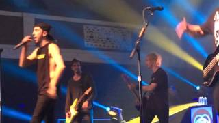 getlinkyoutube.com-Dear Maria Count Me In- All Time Low ft. Michael Clifford 10/23/2015