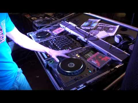 DJ TUTORIAL ON BEAT MATCHING. INFORMATION ON SWISS DJ ACADEMY