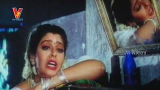 NAGMA ROMANTIC TEMPTING CHIRU |  RIKSHAVODU  MOVIE | CHIRANJEEVI | NAGAMA | SOUNDARY| V9 VIDEOS
