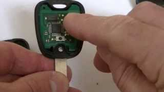 getlinkyoutube.com-Peugeot  two button key fob 206,306 307.406, Repair battery change Fix