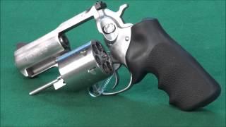 getlinkyoutube.com-44 Magnum VS 454 Casull VS 500ES Magnum WeaponsEducation