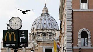 Polémica estética y culinaria en Italia: McDonald's abre al lado del Vaticano