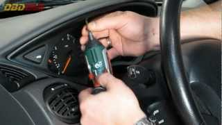 getlinkyoutube.com-How to remove a Ford Focus instrument cluster [HD]