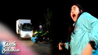 getlinkyoutube.com-Wow oki Menyelamatkan Nyawa Bella Saat Kecelakaan [Anak Jalanan] [29 September]
