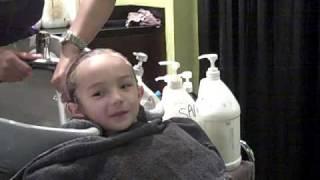 getlinkyoutube.com-Emile's shampoo