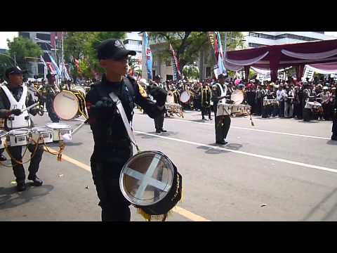 Marching Band Akpol Pawai FFI 2013 Semarang