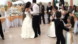 getlinkyoutube.com-VALS ORIGINAL DE MATRIMONIO... ¡¡VIVIANA ORTIZ E IVAN ACOSTA!!