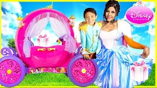 getlinkyoutube.com-24V Disney Princess Carriage SURPRISE TOYS COSTUMES kids POWER WHEELS cinderella belle DYNACRAFT