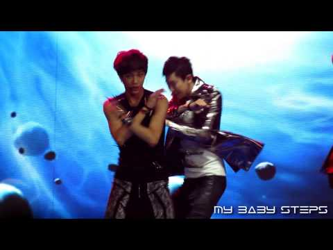 130414 EXO Chanyeol Kai - MAMA (Remix)@The 13th Annual Billboard Music Festival