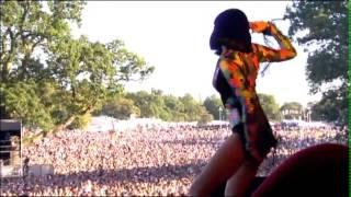 getlinkyoutube.com-Jessie J - Price Tag Live V Festival 2011